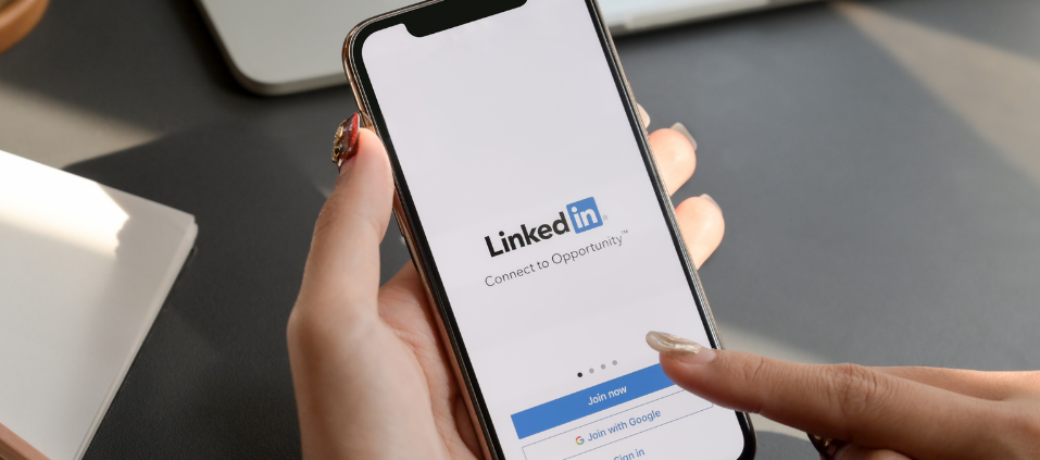 3 Ways to Use LinkedIn to Improve Your Sales Network